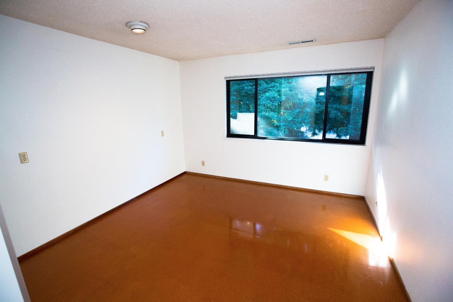 Additional photo for property listing at 5525 Scotts Valley Drive  Scotts Valley, 加利福尼亞州 95066 美國