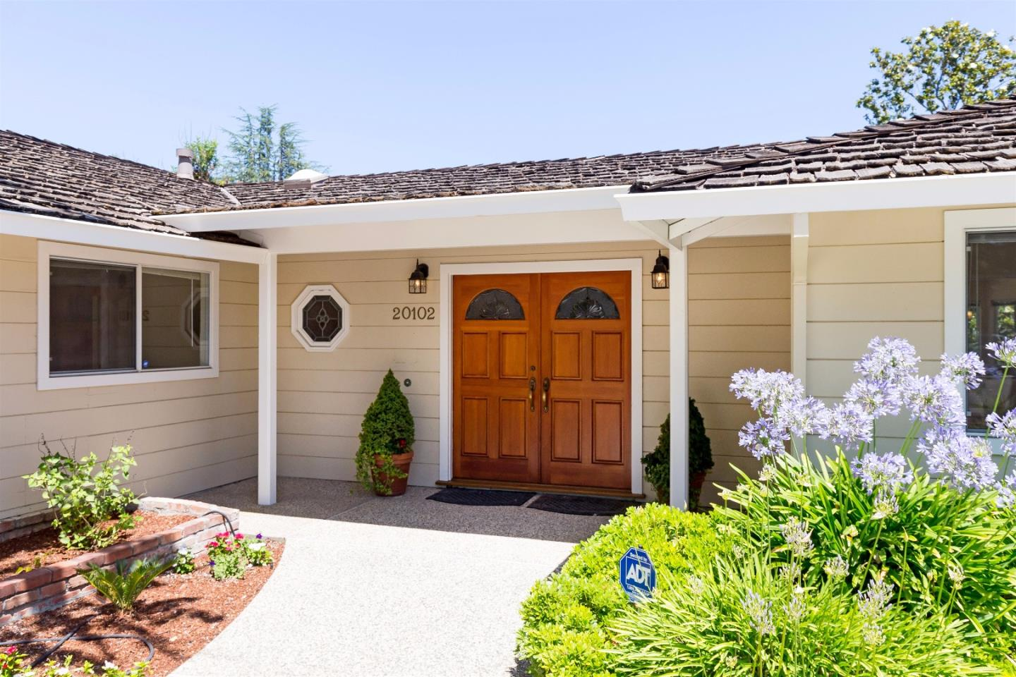 Additional photo for property listing at 20102 Chateau Drive  Saratoga, California 95070 United States