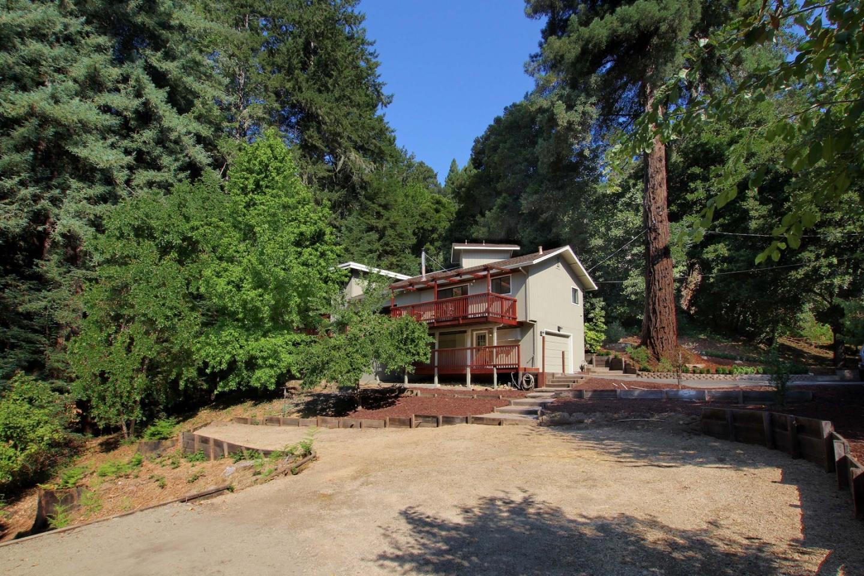 獨棟家庭住宅 為 出售 在 425 El Solyo Heights Drive Felton, 加利福尼亞州 95018 美國