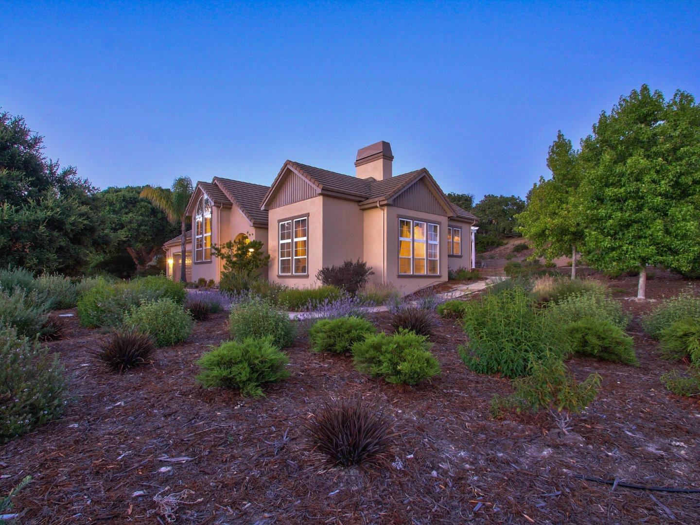 獨棟家庭住宅 為 出售 在 29051 Falcon Ridge Road Salinas, 加利福尼亞州 93908 美國