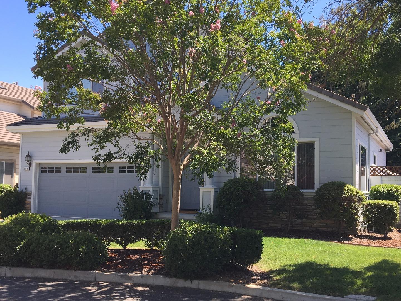 واحد منزل الأسرة للـ Sale في 1260 Pyracantha Terrace Sunnyvale, California 94087 United States