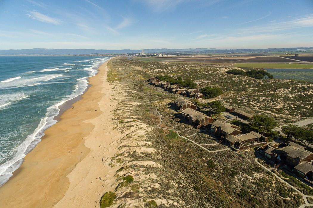 Einfamilienhaus für Verkauf beim 186 Monterey Dunes Way Moss Landing, Kalifornien 95039 Vereinigte Staaten