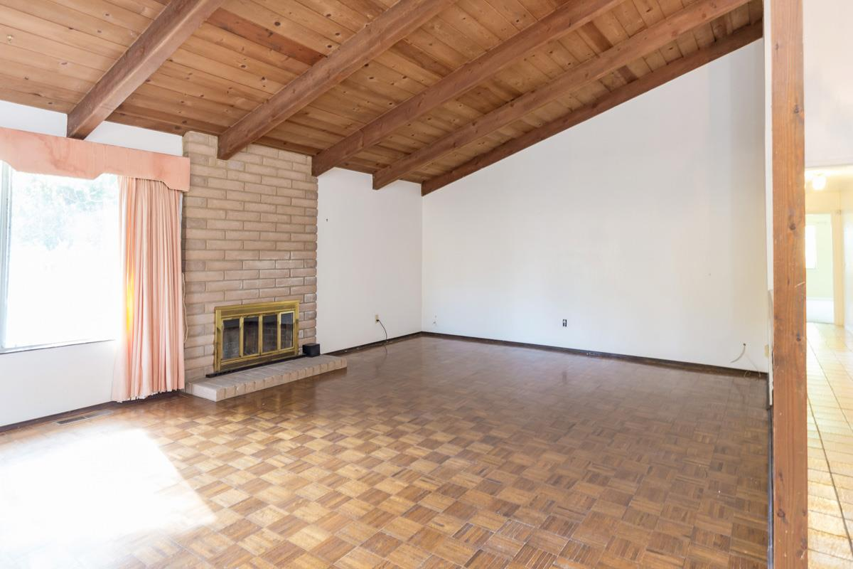 Additional photo for property listing at 592 Foothill Road 592 Foothill Road Hollister, California 95023 Estados Unidos