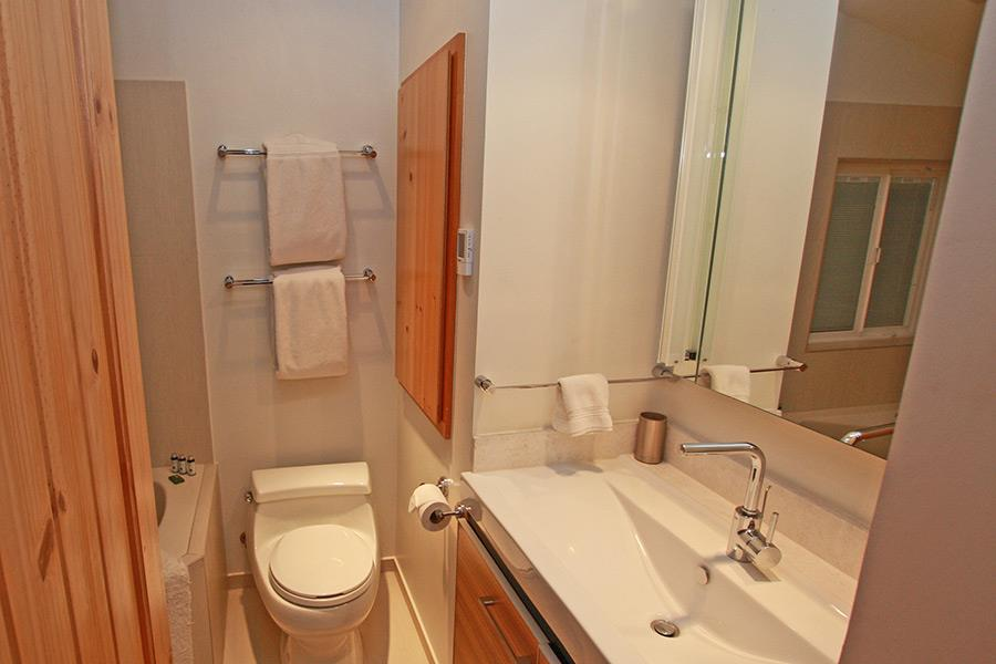 Additional photo for property listing at 1039 Glen Road  South Lake Tahoe, Калифорния 96150 Соединенные Штаты