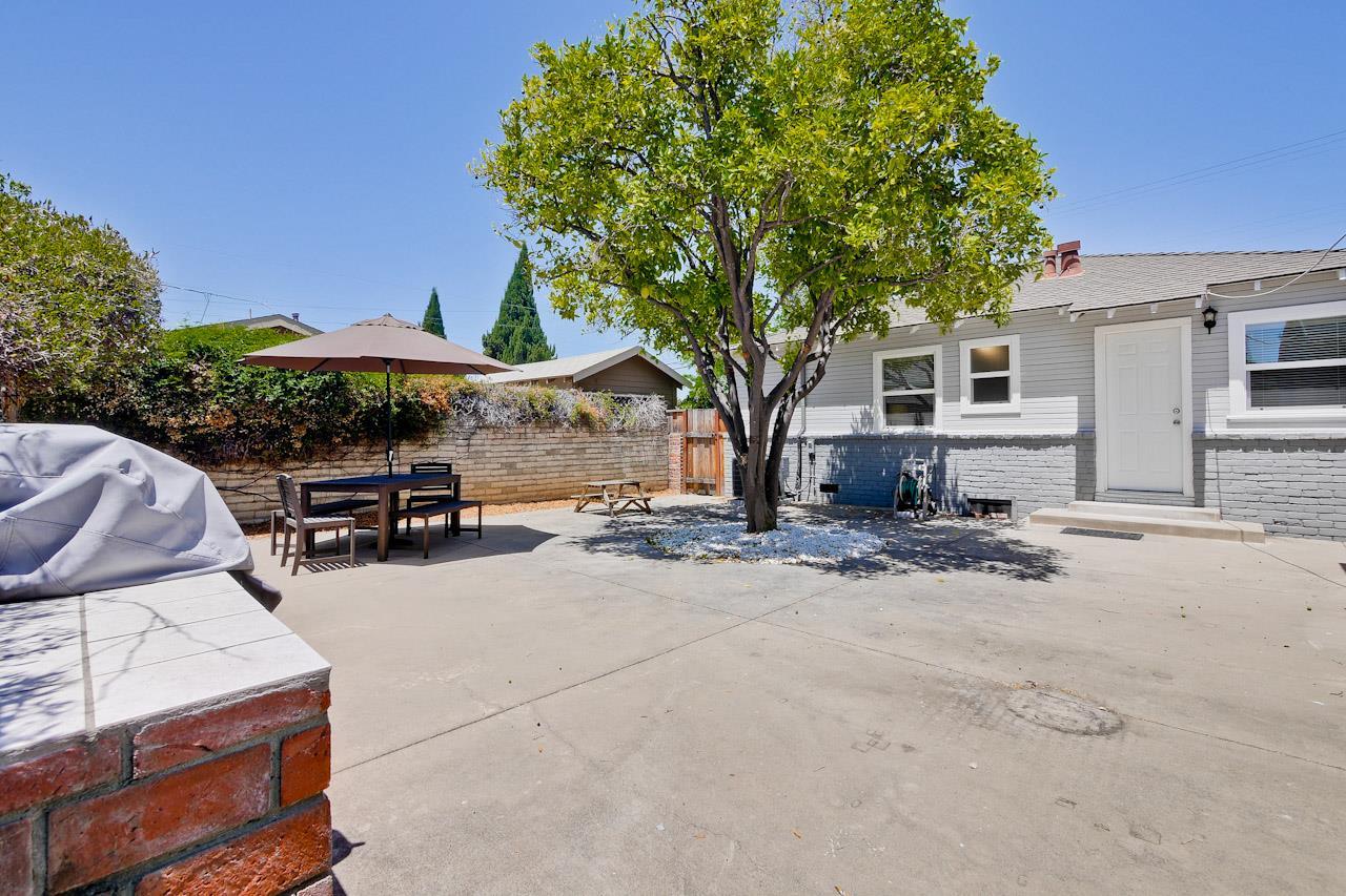 Additional photo for property listing at 668 W Washington Avenue  Sunnyvale, Californie 94086 États-Unis