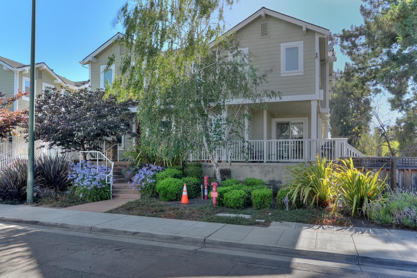 تاون هاوس للـ Sale في 1128 Boranda Avenue Mountain View, California 94040 United States