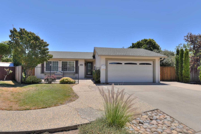 Einfamilienhaus für Verkauf beim 1570 Peppertree Court Morgan Hill, Kalifornien 95037 Vereinigte Staaten