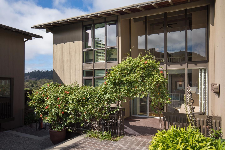 Appartement en copropriété pour l Vente à 7020 Valley Greens Drive Carmel, Californie 93923 États-Unis