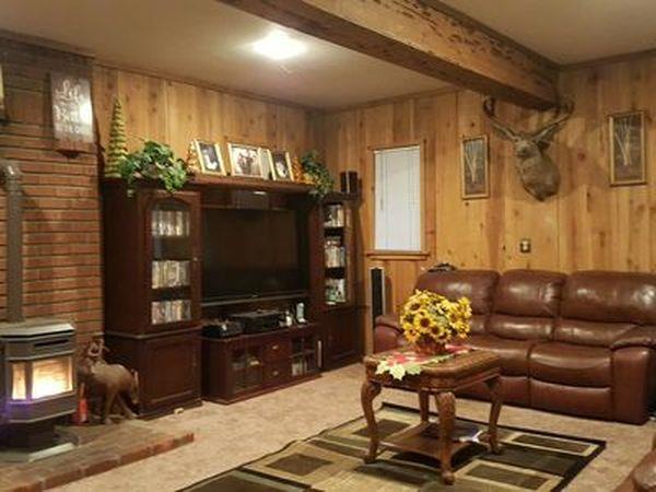 واحد منزل الأسرة للـ Sale في 2324 Woodland Frazier Park, California 93222 United States