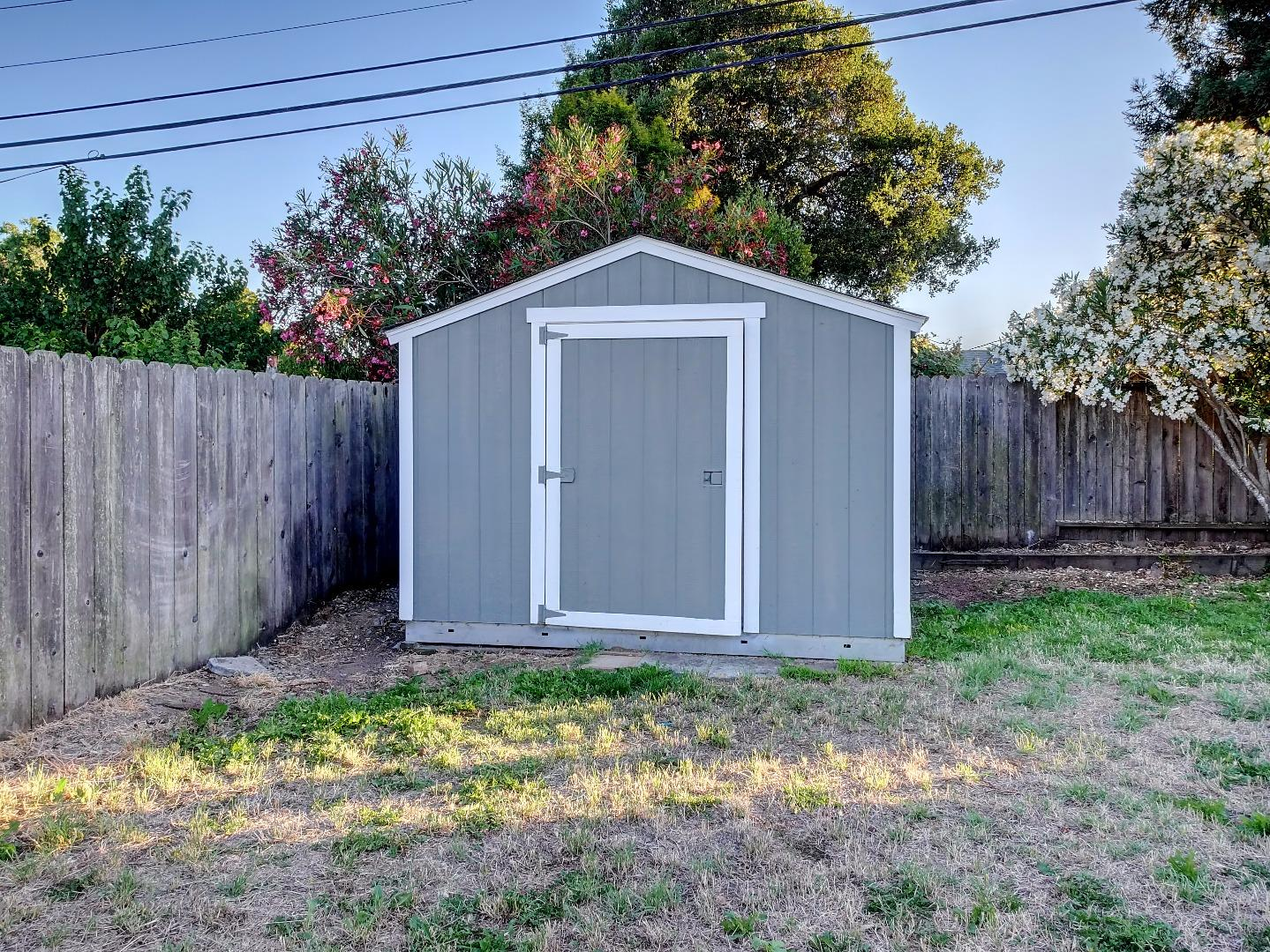 Additional photo for property listing at 920 S Norfolk Street  San Mateo, California 94401 United States