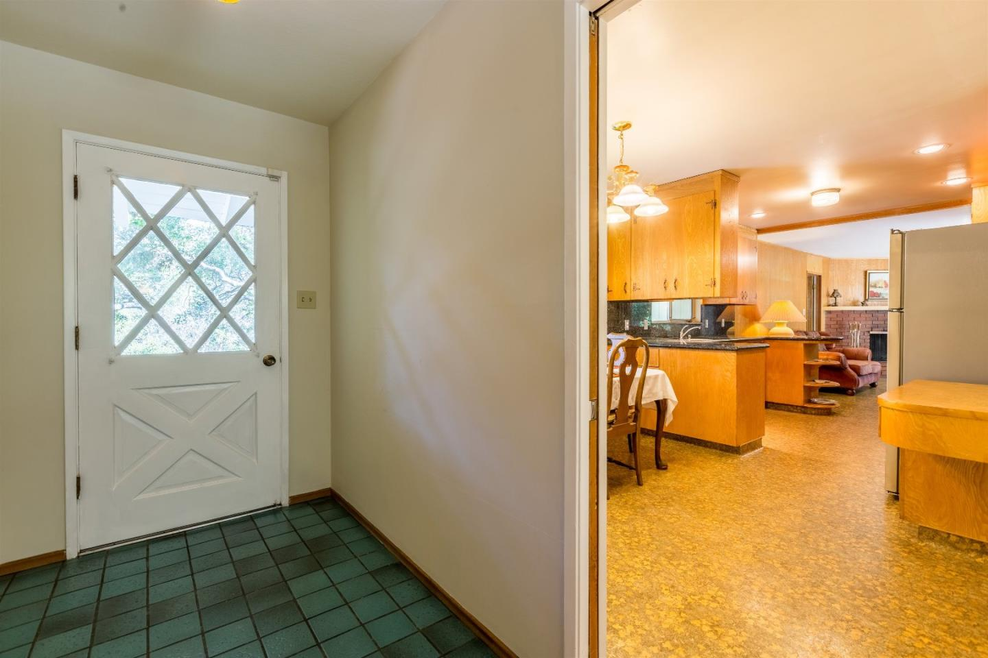 Additional photo for property listing at 115 Old Adobe Road  Los Gatos, California 95032 United States