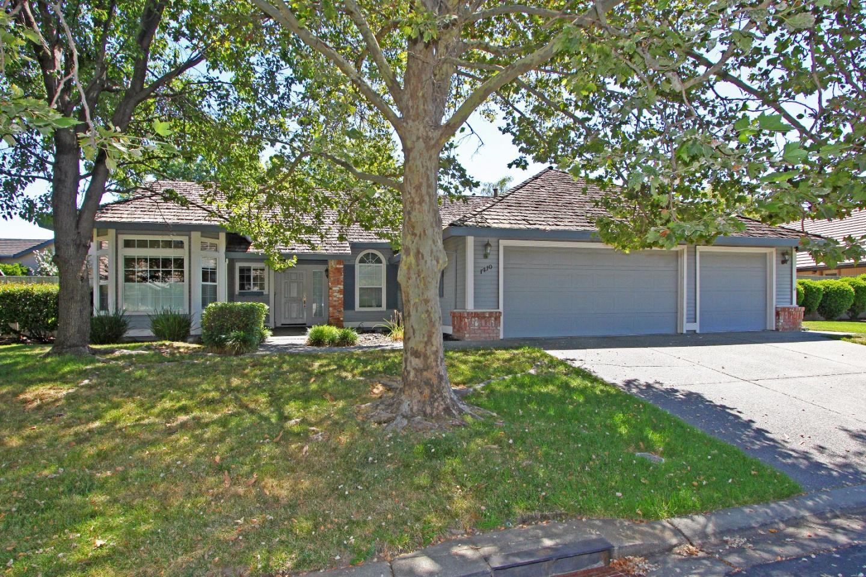 Einfamilienhaus für Verkauf beim 1410 Aberdeen Circle Roseville, Kalifornien 95746 Vereinigte Staaten