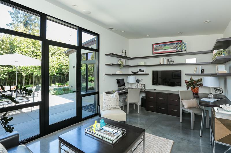 Additional photo for property listing at 1301 Hamilton Avenue  Palo Alto, California 94301 United States