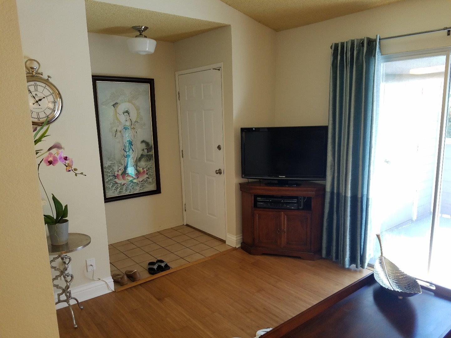 Additional photo for property listing at 379 Shadow Run Drive  San Jose, California 95110 United States
