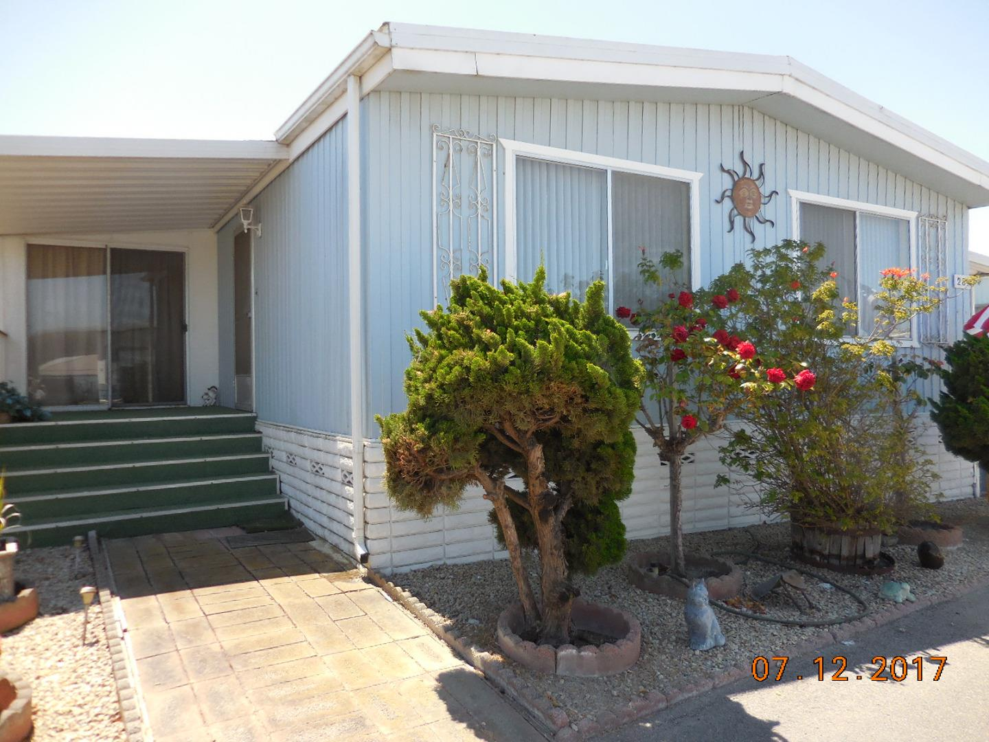 Additional photo for property listing at 150 Kern Street  Salinas, California 93905 United States