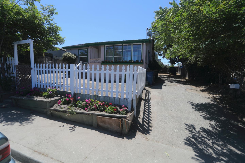 一戸建て のために 売買 アット 950 Hamilton Avenue Seaside, カリフォルニア 93955 アメリカ合衆国