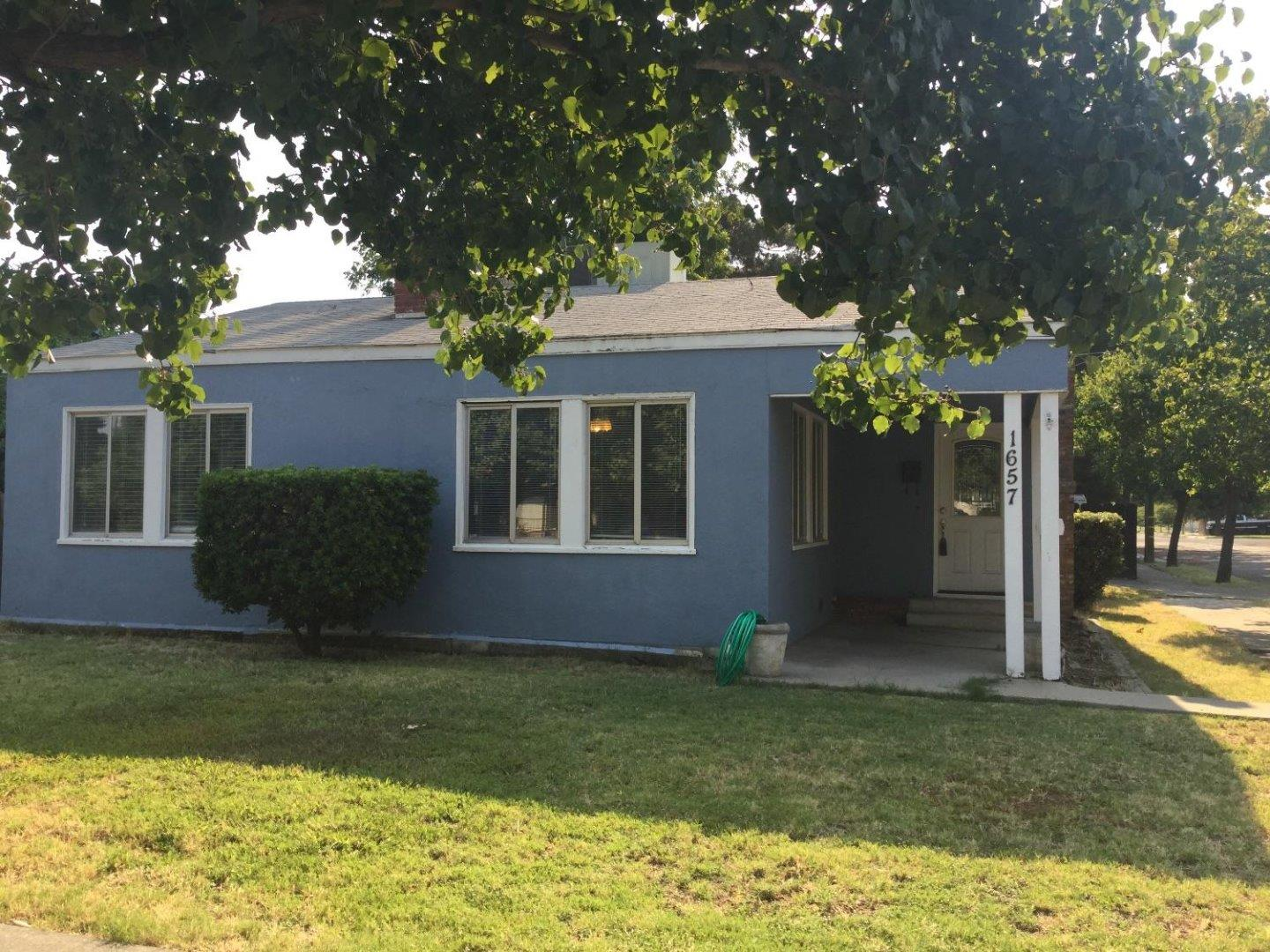 Single Family Home for Sale at 1657 Golden Gate Avenue Dos Palos, California 93620 United States