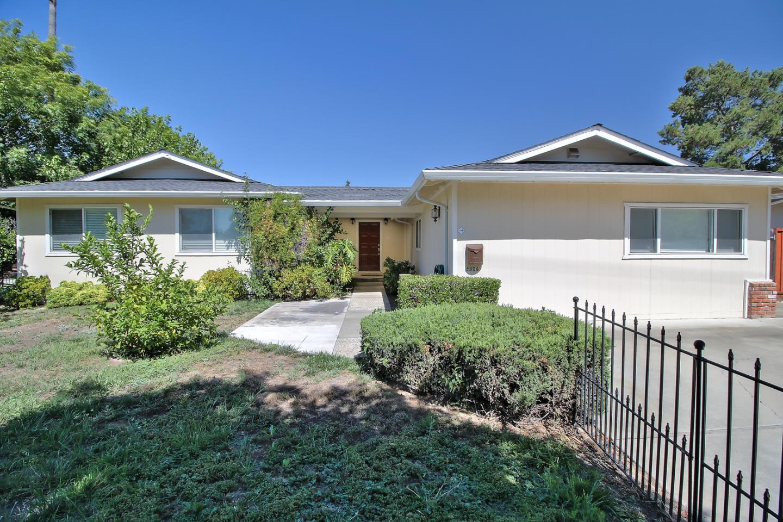 Maison unifamiliale pour l Vente à 5306 Harwood Road San Jose, Californie 95124 États-Unis