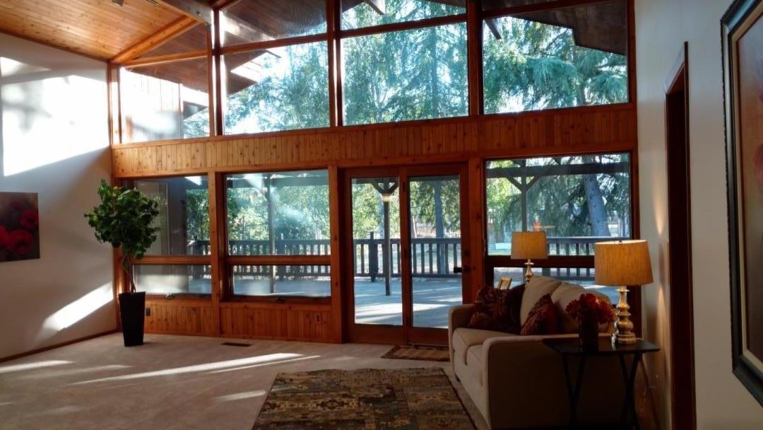 واحد منزل الأسرة للـ Sale في 12925 Foothill Avenue San Martin, California 95046 United States