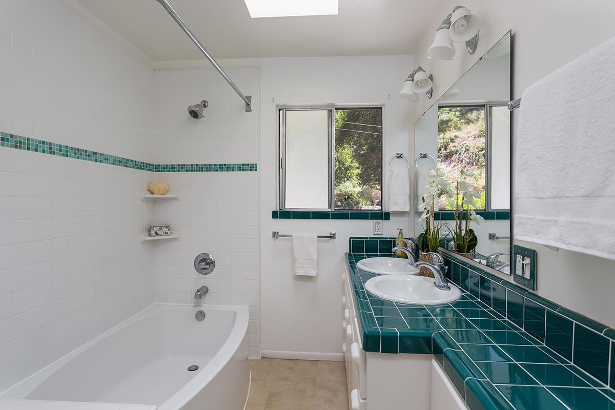 Additional photo for property listing at 280 Miraflores Road  Scotts Valley, California 95066 United States
