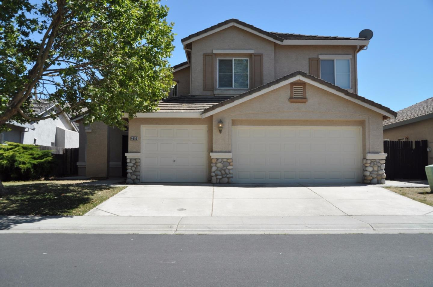 Single Family Home for Sale at 9550 Moon River Way Elk Grove, California 95624 United States