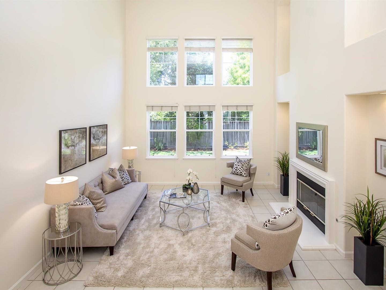 獨棟家庭住宅 為 出售 在 27 Sophia Court Novato, 加利福尼亞州 94945 美國