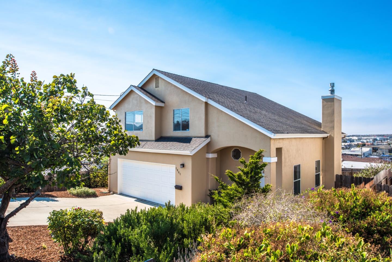 一戸建て のために 売買 アット 1061 Amador Avenue Seaside, カリフォルニア 93955 アメリカ合衆国