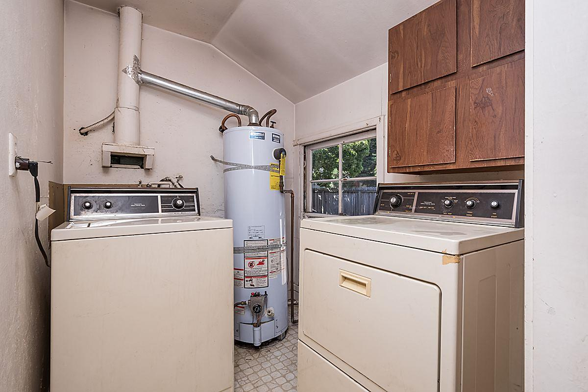 Additional photo for property listing at 1250 ALDEN Court  Belmont, カリフォルニア 94002 アメリカ合衆国