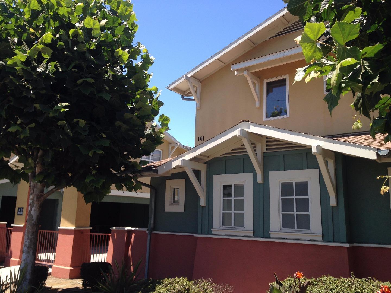 多戶家庭房屋 為 出售 在 139 E Riverside Drive Watsonville, 加利福尼亞州 95076 美國