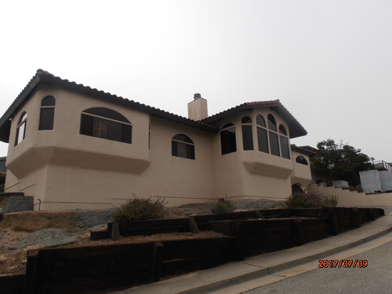 一戸建て のために 売買 アット 1366 Skyview Drive Seaside, カリフォルニア 93955 アメリカ合衆国