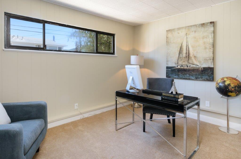Additional photo for property listing at 1132 Banyan Way  Pacifica, California 94044 United States