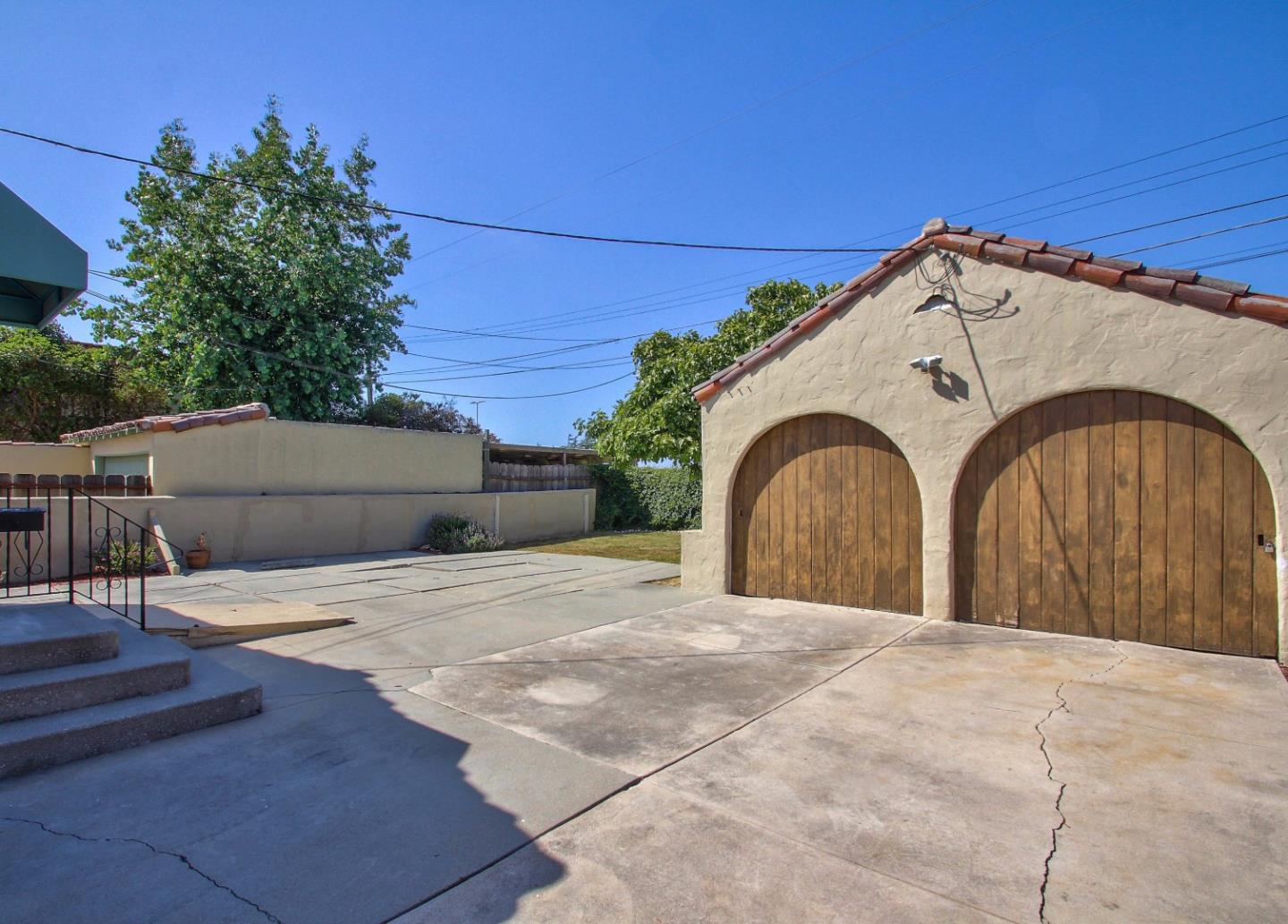 Additional photo for property listing at 14 Orange Drive  Salinas, California 93901 United States