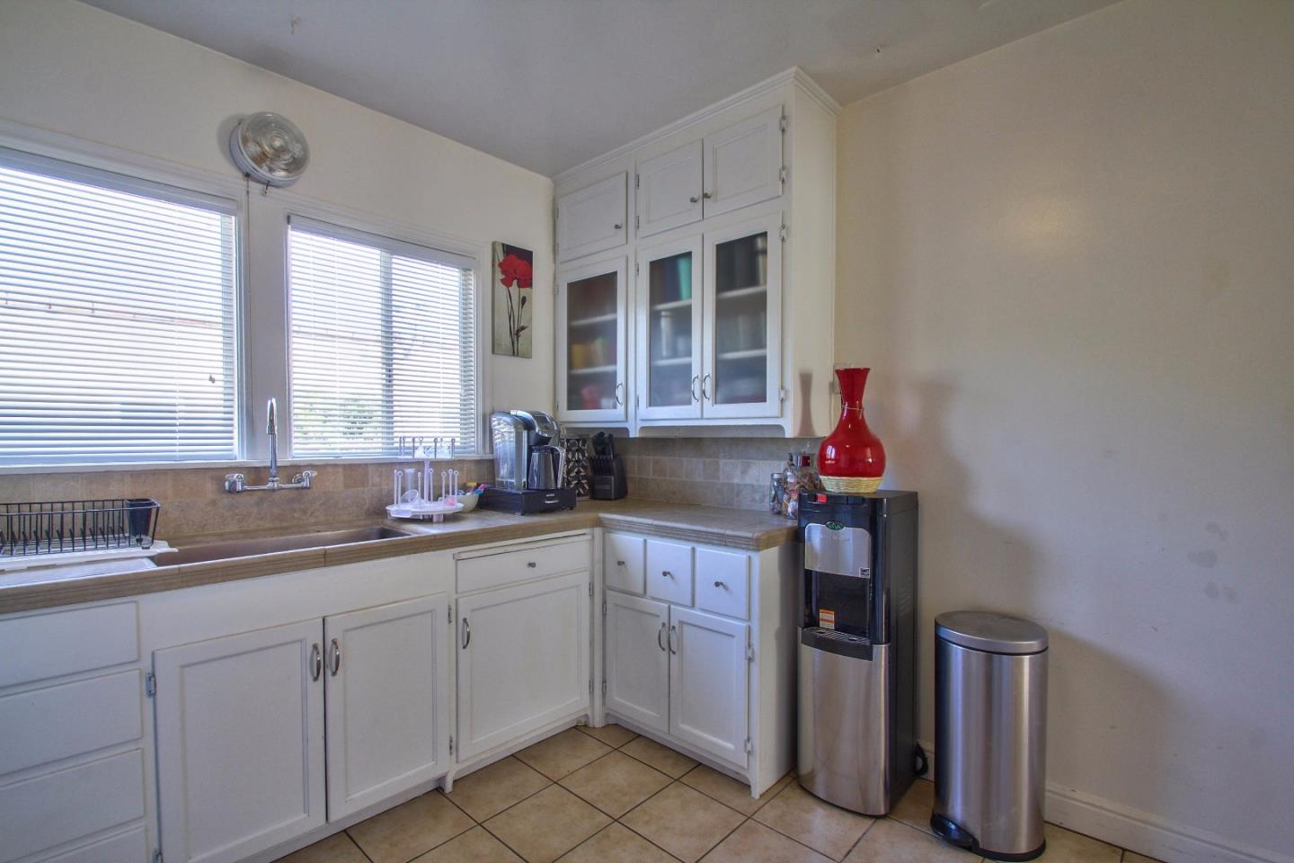 Additional photo for property listing at 14 Orange Drive  Salinas, Kalifornien 93901 Vereinigte Staaten