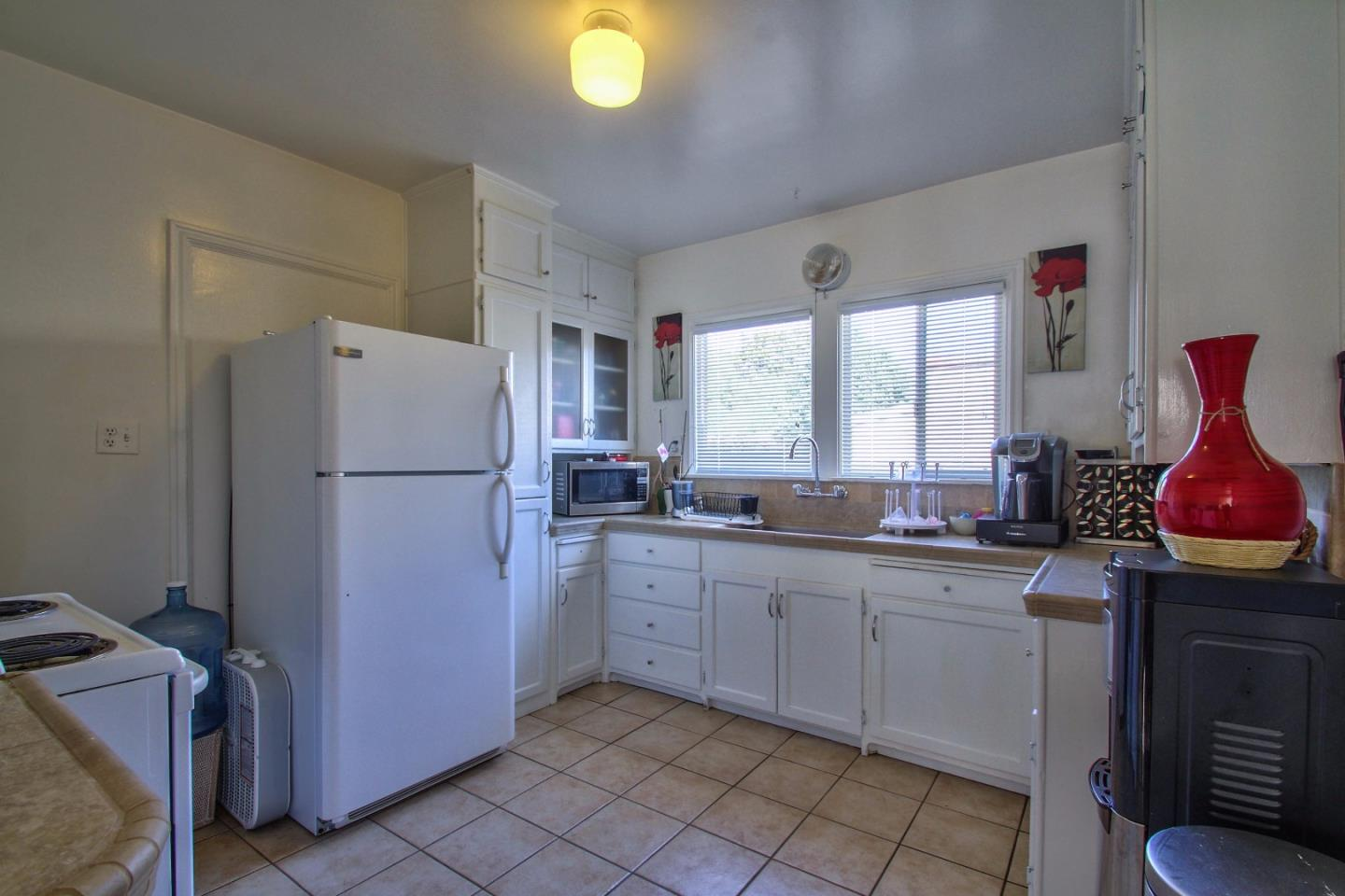 Additional photo for property listing at 14 Orange Drive 14 Orange Drive Salinas, カリフォルニア 93901 アメリカ合衆国