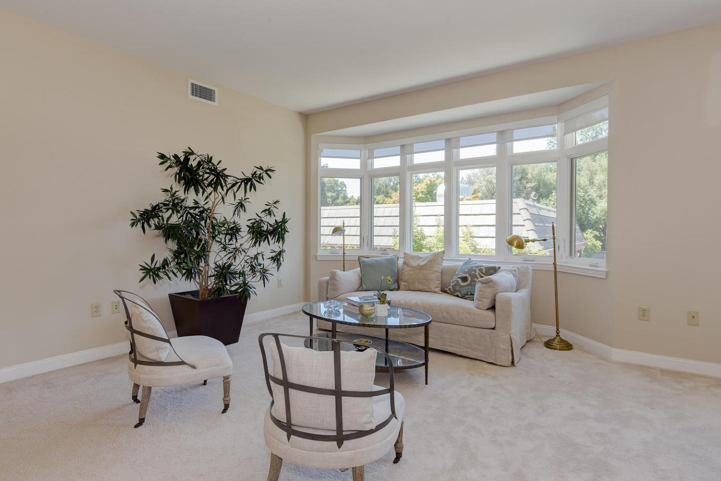 Additional photo for property listing at 10 Crystal Springs Road 10 Crystal Springs Road San Mateo, カリフォルニア 94402 アメリカ合衆国