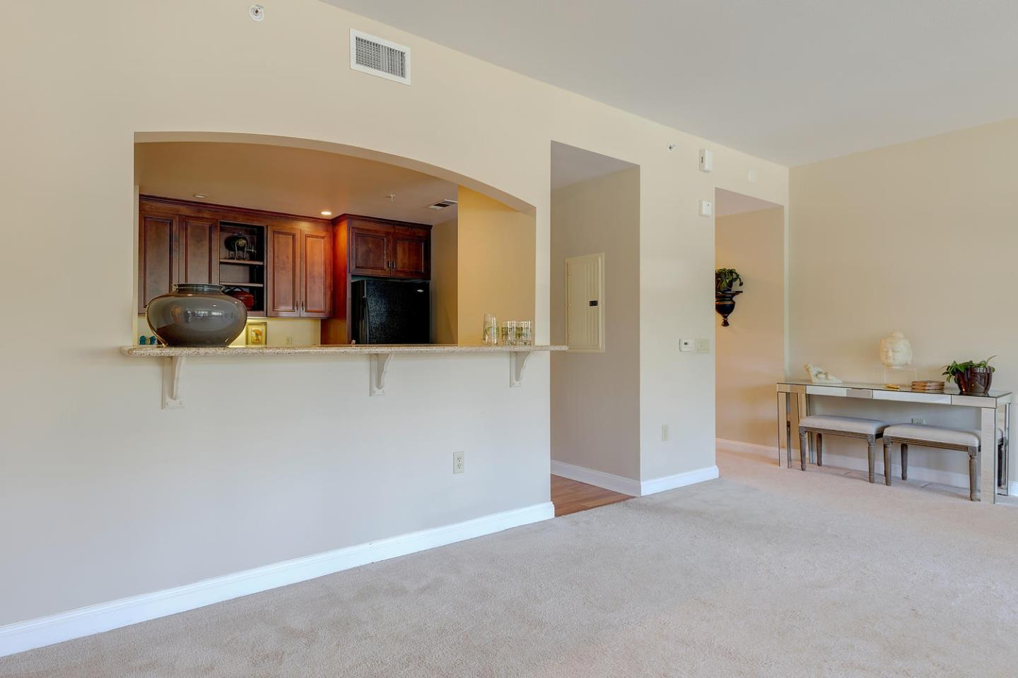 Additional photo for property listing at 10 Crystal Springs Road  San Mateo, Kalifornien 94402 Vereinigte Staaten