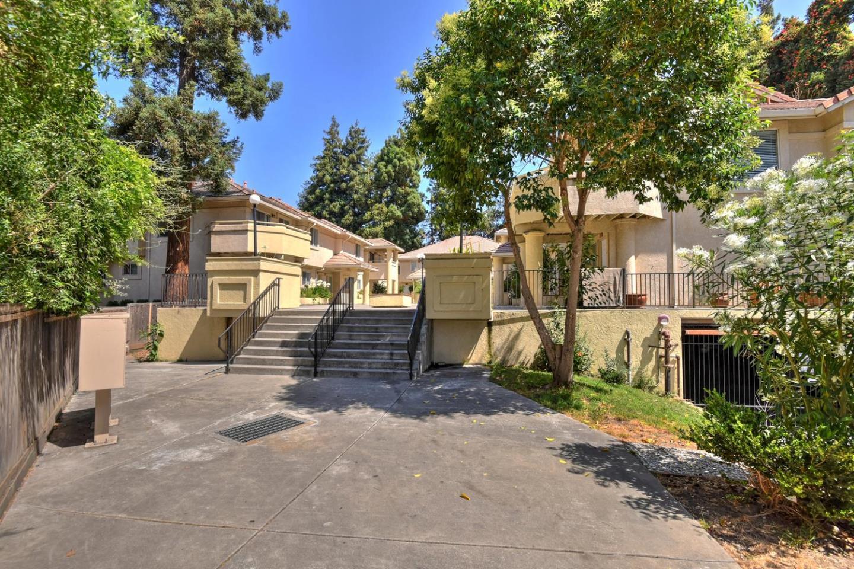 Многосемейный дом для того Продажа на 144 E Lewelling Boulevard San Lorenzo, Калифорния 94580 Соединенные Штаты