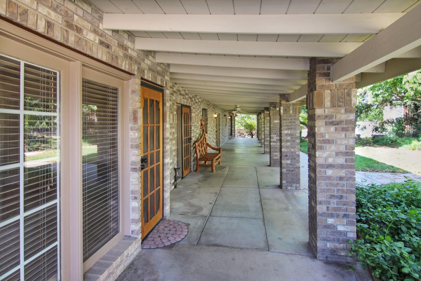 Additional photo for property listing at 14208 Road 36 14208 Road 36 Madera, Kalifornien 93636 Vereinigte Staaten