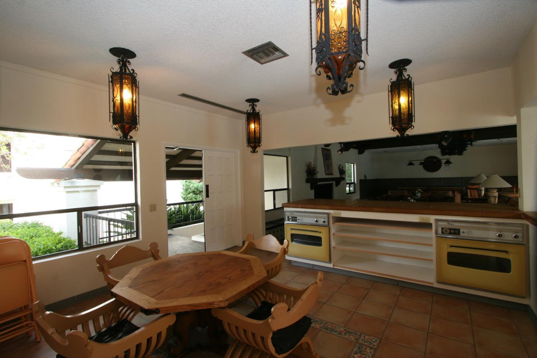 Additional photo for property listing at 500 Glenwood Circle  Monterey, Калифорния 93940 Соединенные Штаты