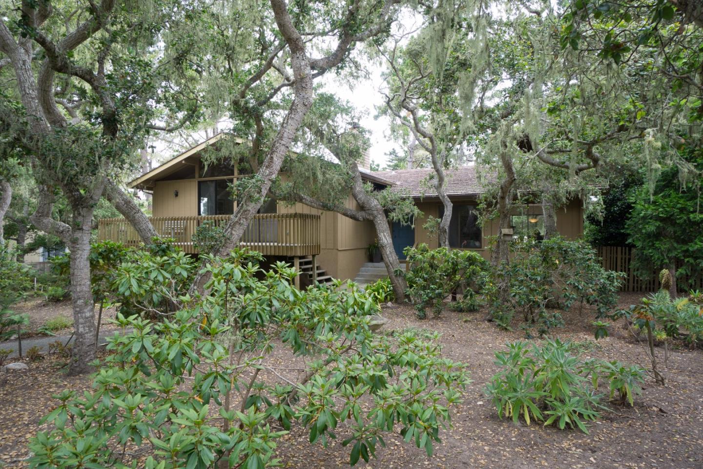 Einfamilienhaus für Verkauf beim 2854 Congress Road Pebble Beach, Kalifornien 93953 Vereinigte Staaten