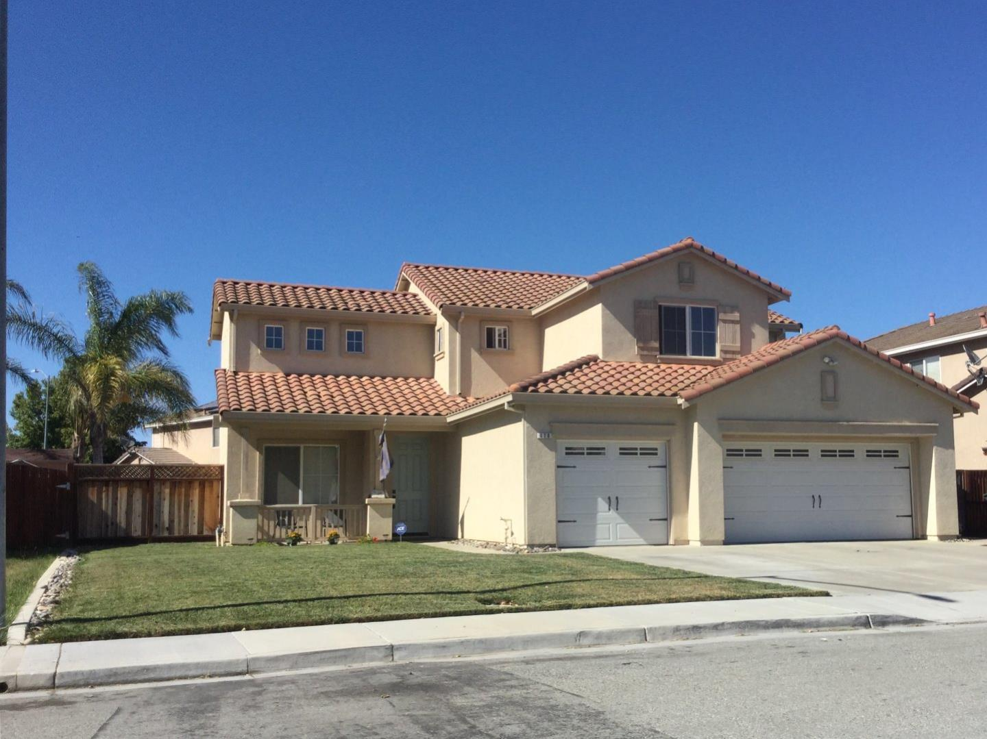Additional photo for property listing at 670 S Verdun Drive  Hollister, Californie 95023 États-Unis