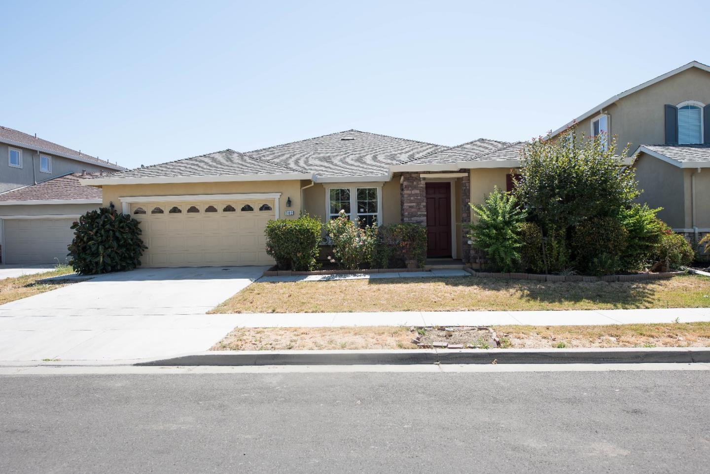 Single Family Home for Sale at 302 Cherry Blossom Lane Patterson, California 95363 United States