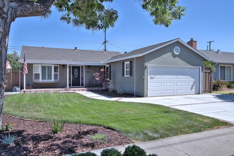 獨棟家庭住宅 為 出售 在 2189 Benton Street Santa Clara, 加利福尼亞州 95050 美國