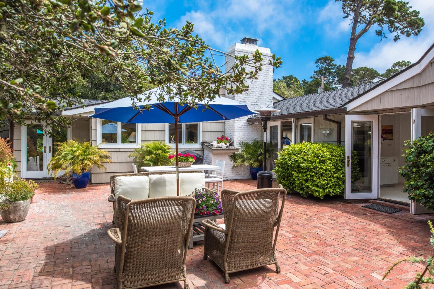 Additional photo for property listing at 3407 7th Avenue  Carmel, カリフォルニア 93923 アメリカ合衆国