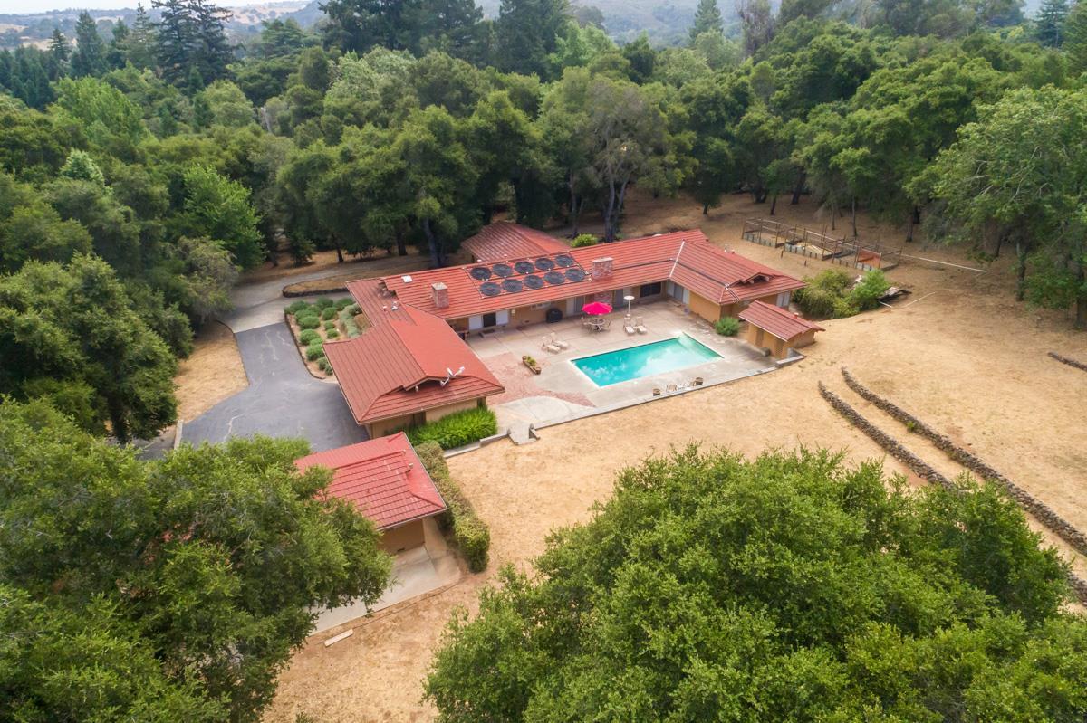 Maison unifamiliale pour l Vente à 890 Mountain Home Road Woodside, Californie 94062 États-Unis