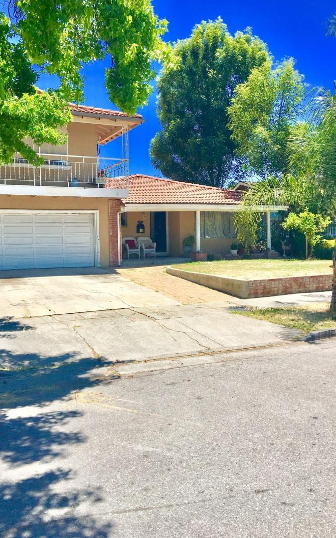 Single Family Home for Sale at 5858 Alcazar Drive San Jose, California 95123 United States