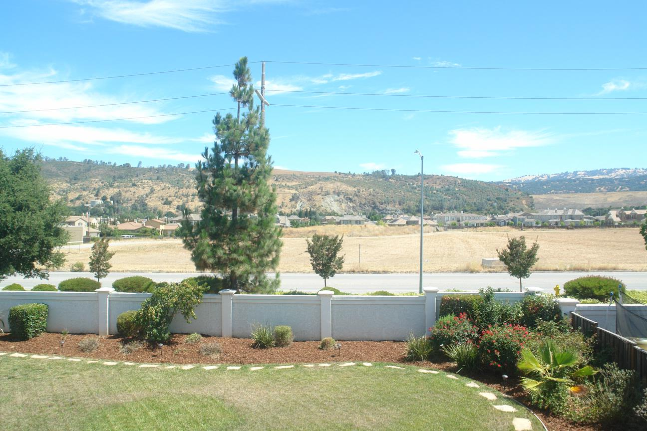 Additional photo for property listing at 18370 San Carlos Way  Morgan Hill, California 95037 United States