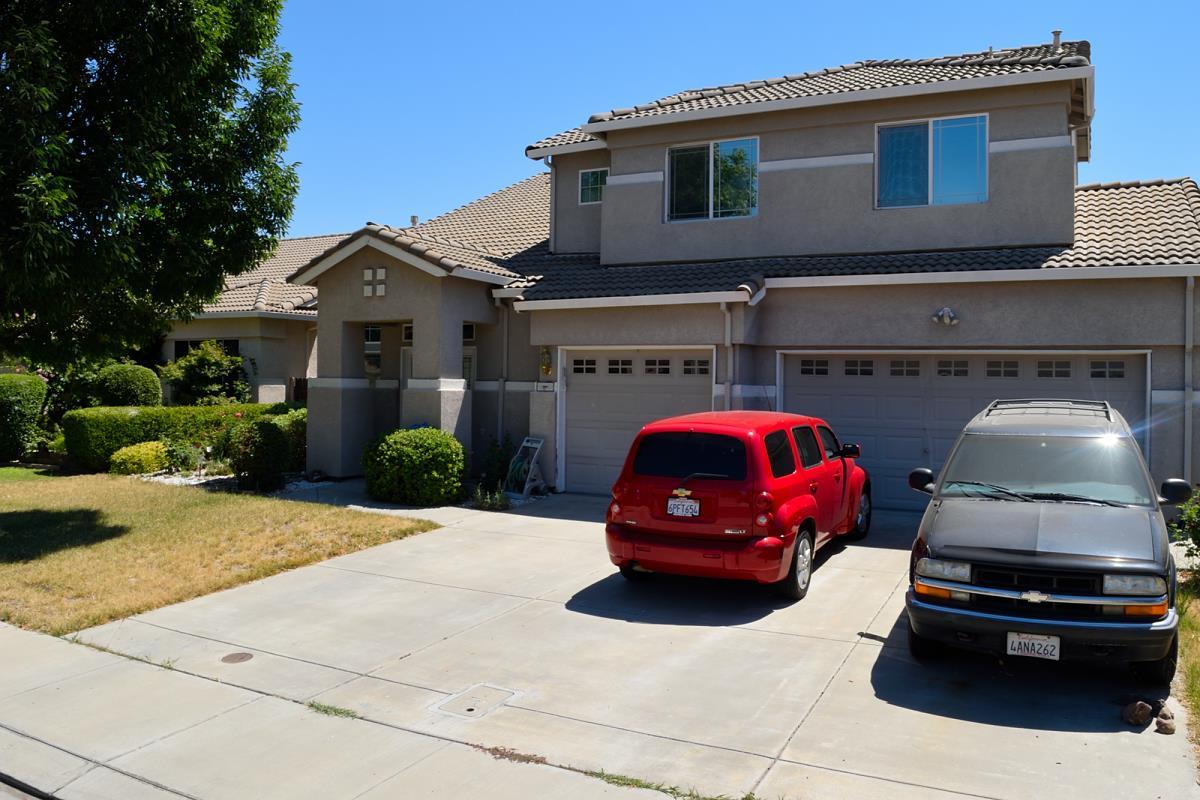 Частный односемейный дом для того Продажа на 2804 Mars Hills Street Modesto, Калифорния 95355 Соединенные Штаты