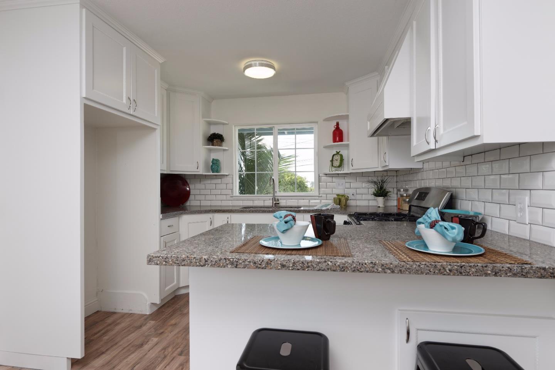 獨棟家庭住宅 為 出售 在 130 Buena Vista Drive Freedom, 加利福尼亞州 95019 美國
