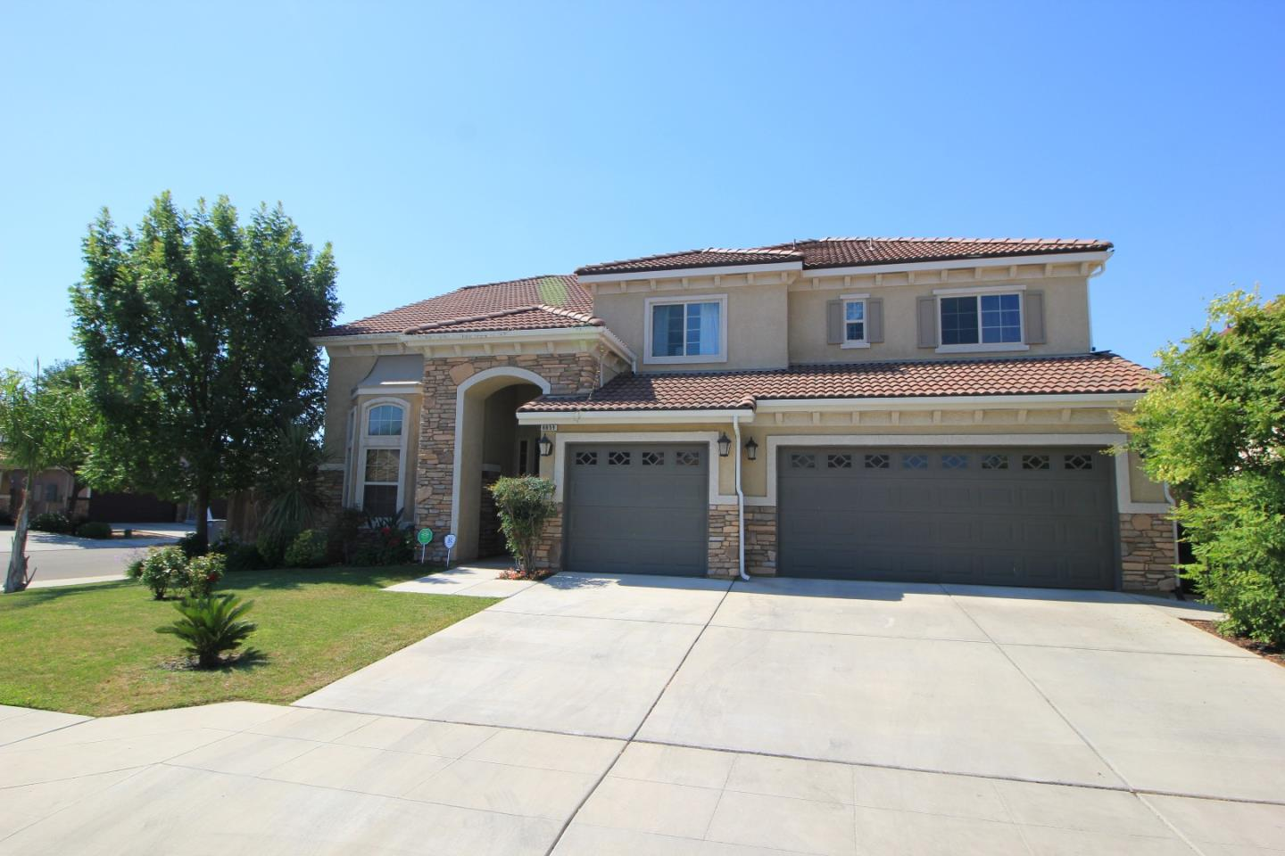 Additional photo for property listing at 6859 E Simpson  Fresno, California 93727 Estados Unidos